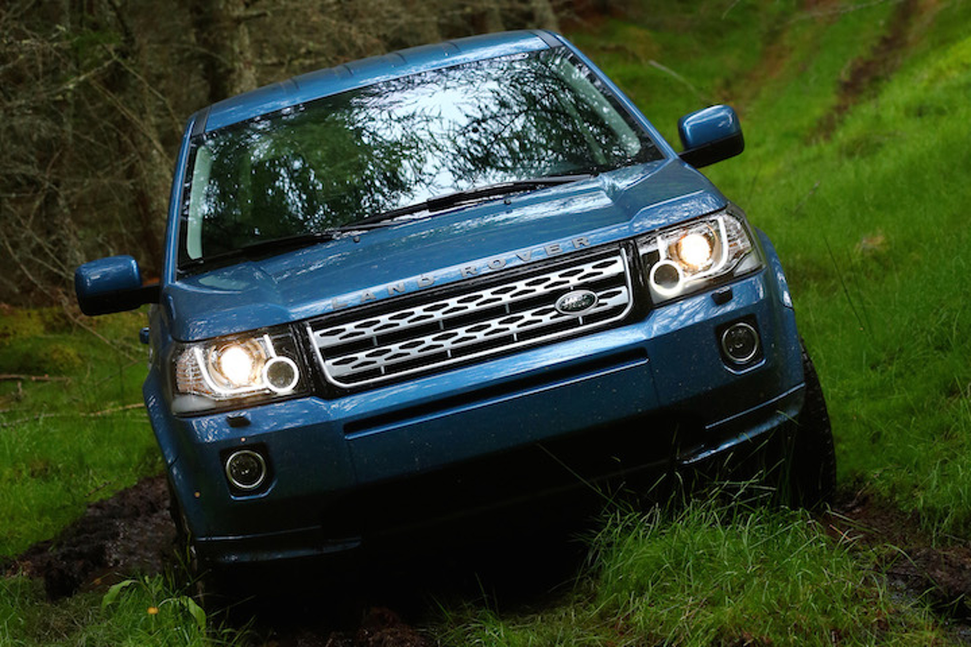 https://icdn-4.motor1.com/images/mgl/xGMe2/s1/land-rover-freelander-to-continue-life-under-tata-nameplate.jpg