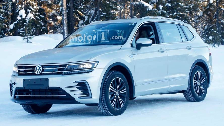 VW Tiguan Plug-In Hybrid Spied Without Any Camo Whatsoever