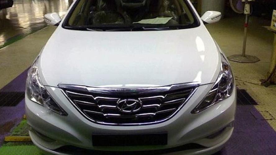 Hyundai Already Taking Pre-Launch Orders for New Sonata YF / i40 - new leaked photos