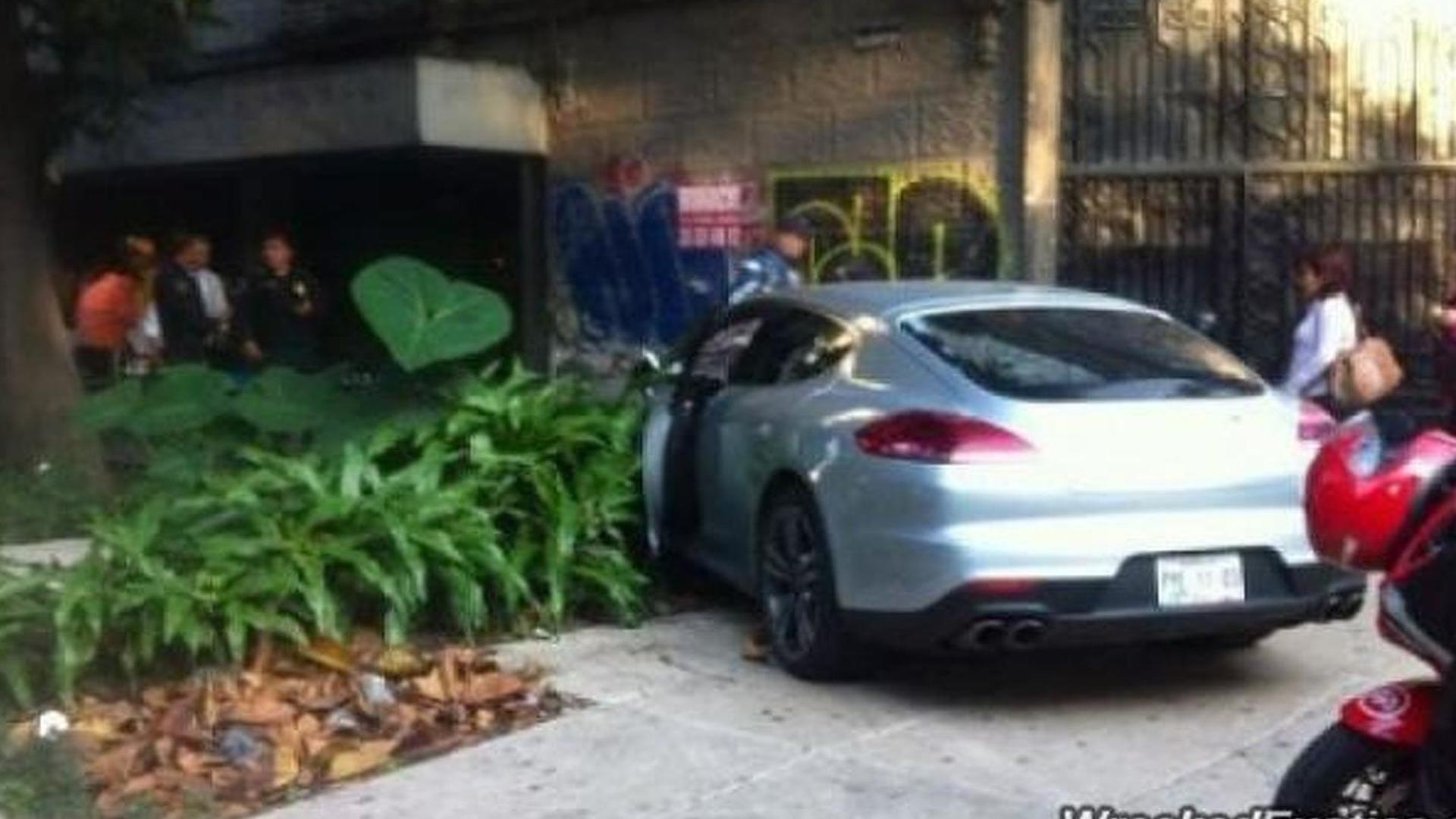 Porsche Panamera Turbo crashed in Mexico City by a diplomat\'s son