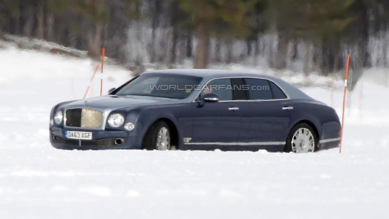 Bentley Mulsanne LWB spy photo