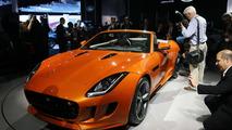 Jaguar F-Type with Firesand exterior and Black Design Packs live in L.A. 29.11.2012