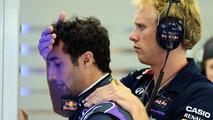 Daniel Ricciardo (AUS) with Stuart Smith (AUS), Red Bull Racing Physio / XPB