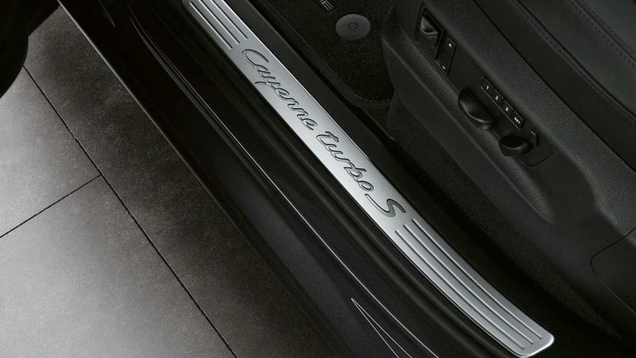 New Porsche Cayenne Turbo S