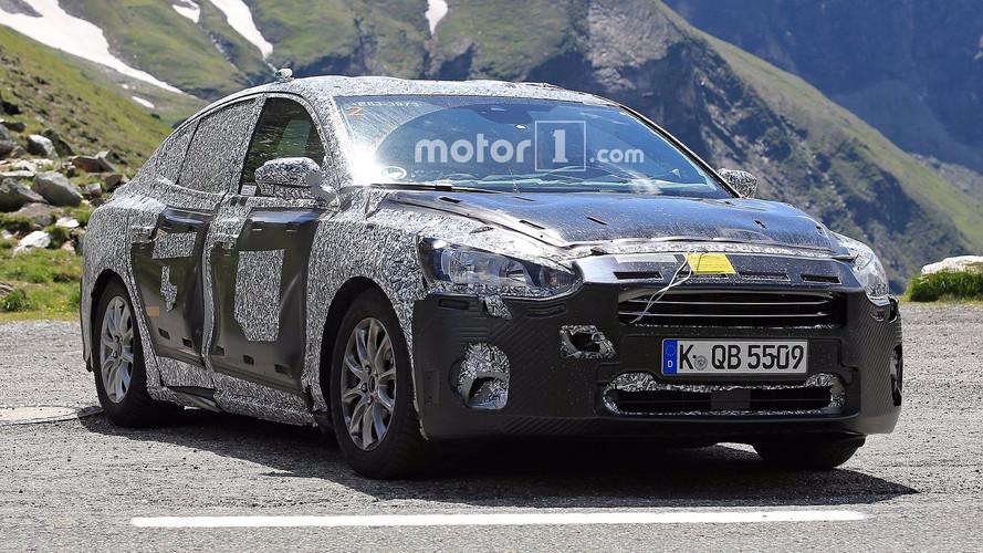 Yeni Ford Focus Sedan ilk kez görüntülendi