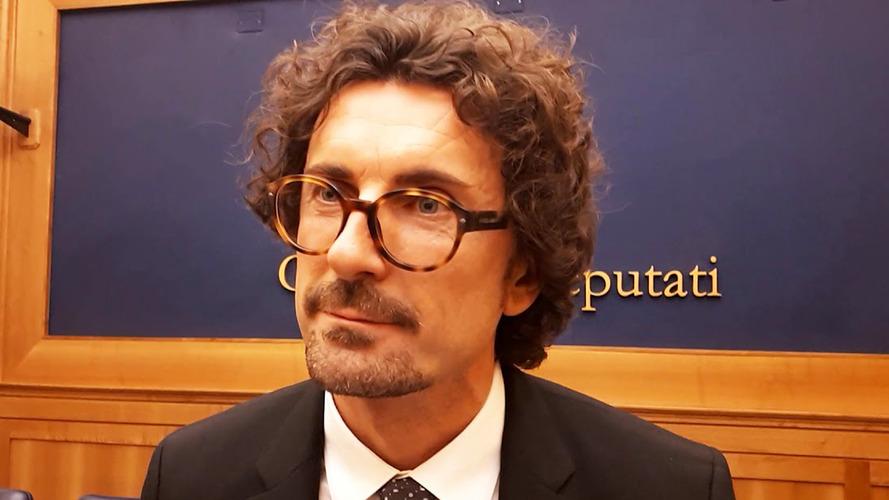 Danilo Toninelli, chi è il nuovo Ministro delle Infrastrutture e dei Trasporti