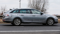 2015 Skoda Superb Combi spy photo