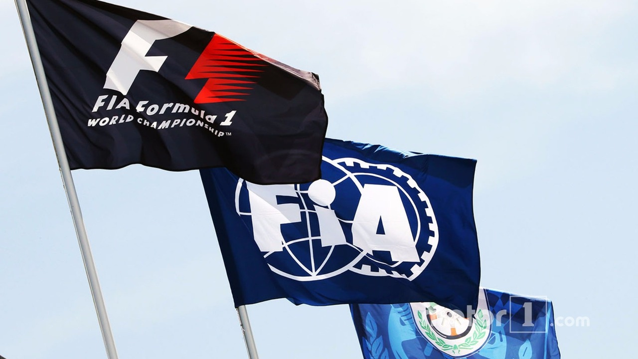 F1 and FIA flags