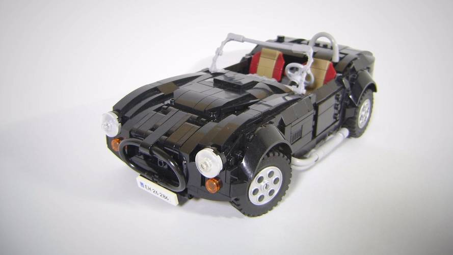 Une AC Cobra 427 en Lego ?