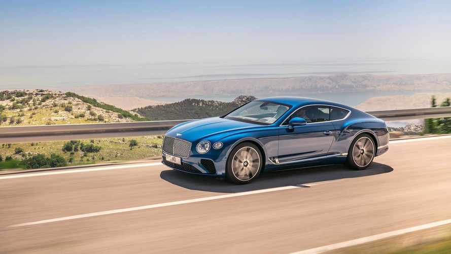 2018 Bentley Continental GT modern duruşunu gösterdi
