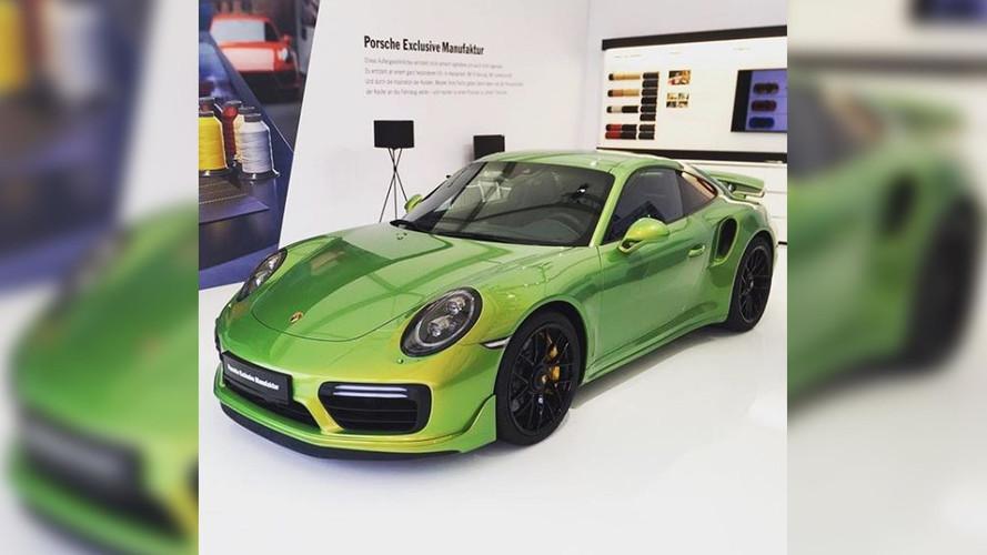 La peinture de cette Porsche 911 coûte plus de 80'000 €!