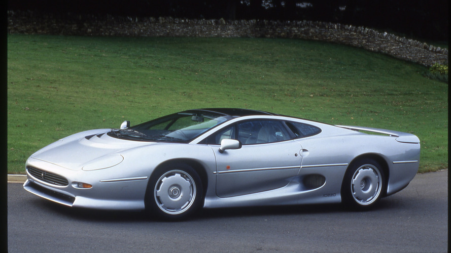 Retired Jaguar XJ220 re-tyred thanks to Bridgestone