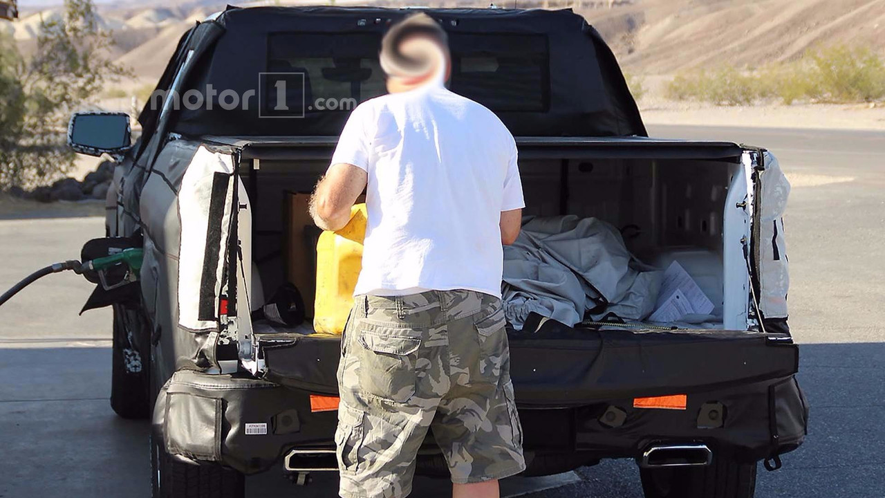 2019 Chevy Silverado Half-Ton Pickup Spied Filling Up With Diesel