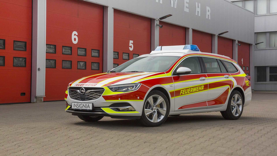 Opel Insignia Sports Tourer Reporting For Fire Department Duty