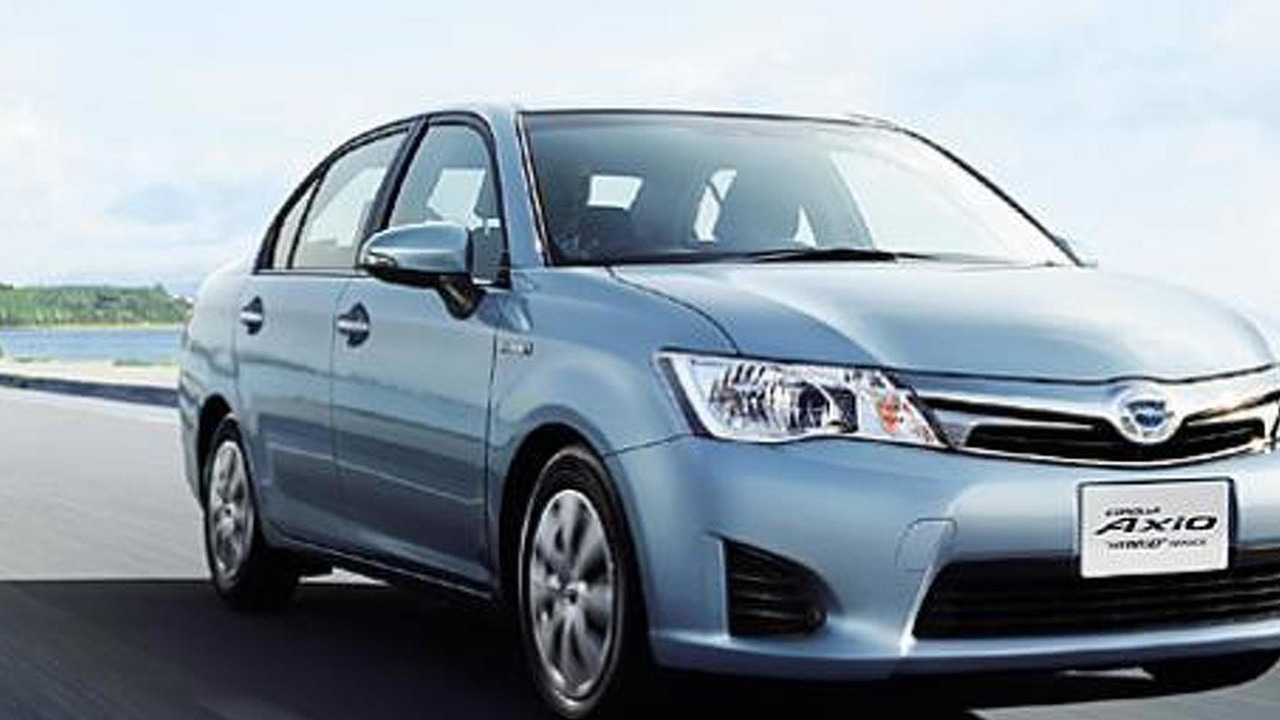 toyota corolla axio and corolla fielder hybrids launched in japan. Black Bedroom Furniture Sets. Home Design Ideas