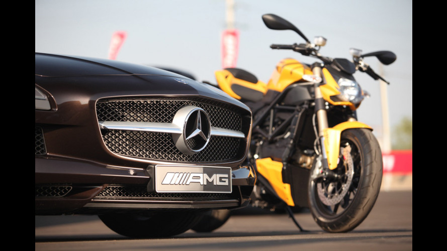 Mercedes SLS Roadster-Ducati Streetfighter 848, insieme in pista