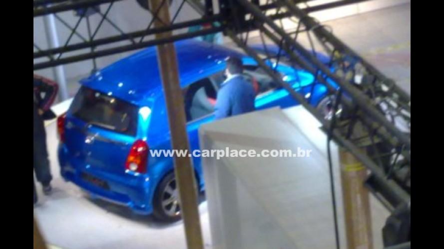Fim do Segredo: Novo Toyota Etios é flagrado nas versões hatch e sedan em Nova Déli